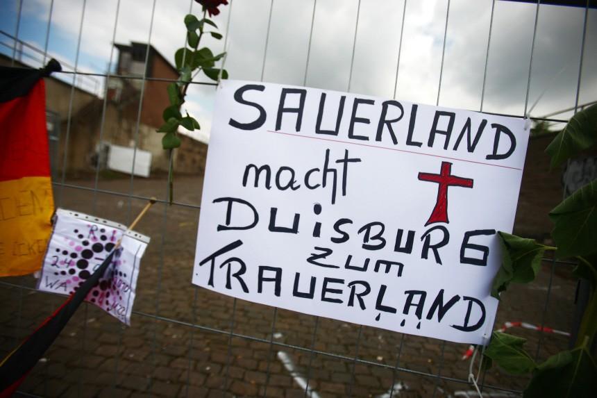 Tote bei Loveparade - Trauer und Wut, dpa