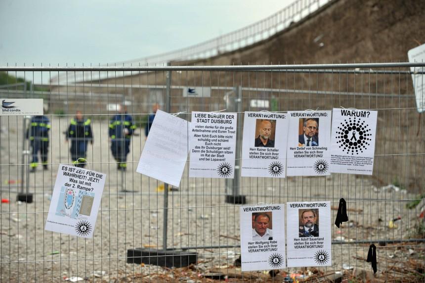 Trauer fuer die Opfer der Loveparade-Katastrophe