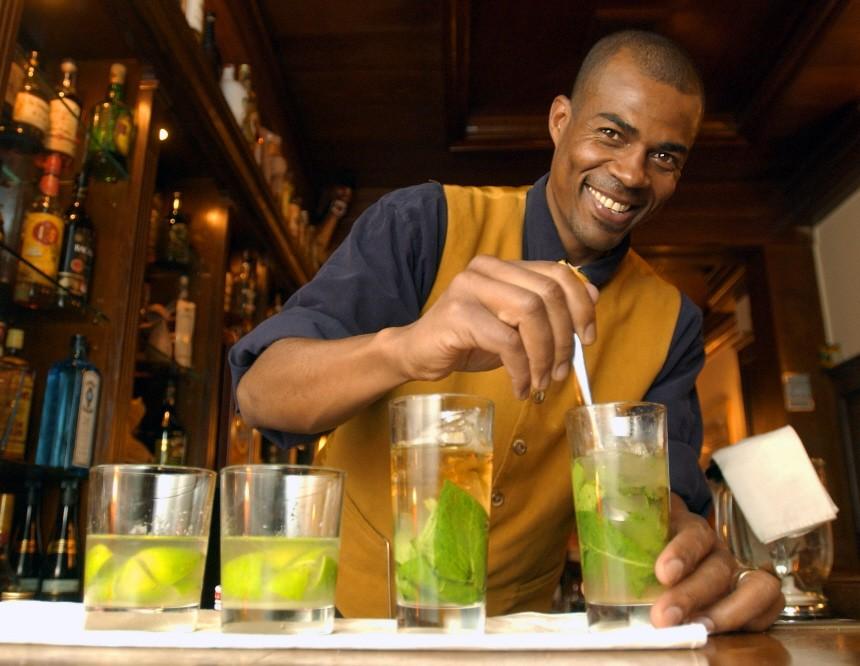 Barkeeper Valdemar da Silva in der brasilianischen Bar Ver-o-peso, 2004