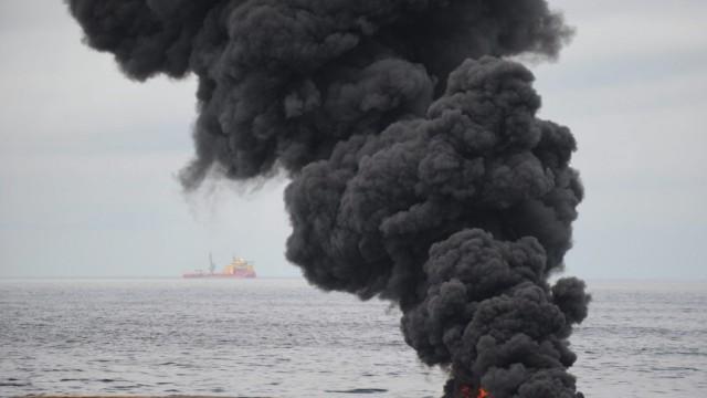 Unwetter stoppt Kampf gegen die Ölpest