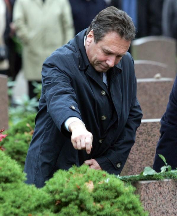 Ex-DDR-Spionagechef Wolf in Berlin beigesetzt