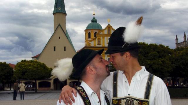 Schwulen-Kundgebung im Wallfahrtsort Altötting
