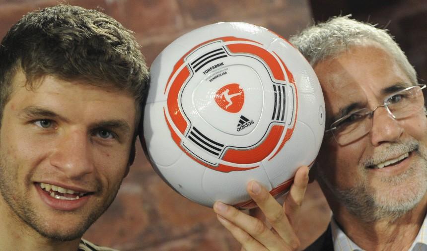 Vorstellung neuer Spielball der Fussball-Bundesliga