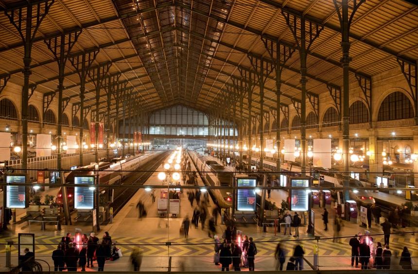 Europa Frankreich Paris Bahnhöfe, dpa