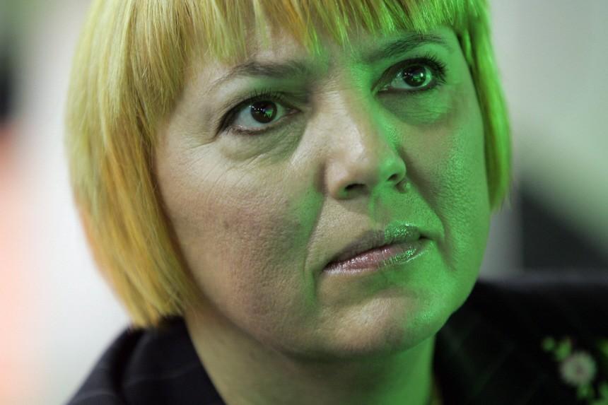 Roth beklagt Regierungsfehler im Kampf gegen Rechtsextremismus
