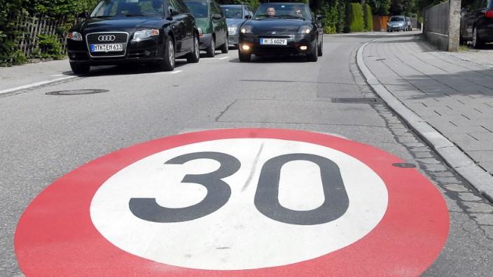 Tempo-30-Zone im Hohenbrunner Weg in Taufkirchen