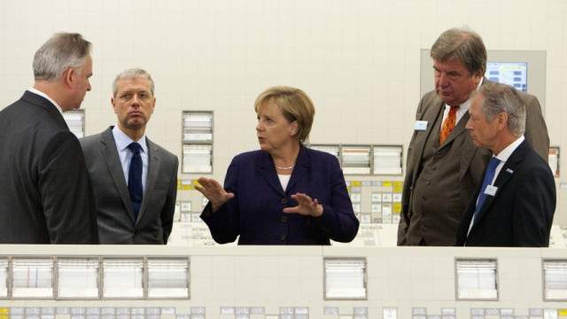 Bundeskanzlerin Merkel besucht Kernkraftwerk Lingen