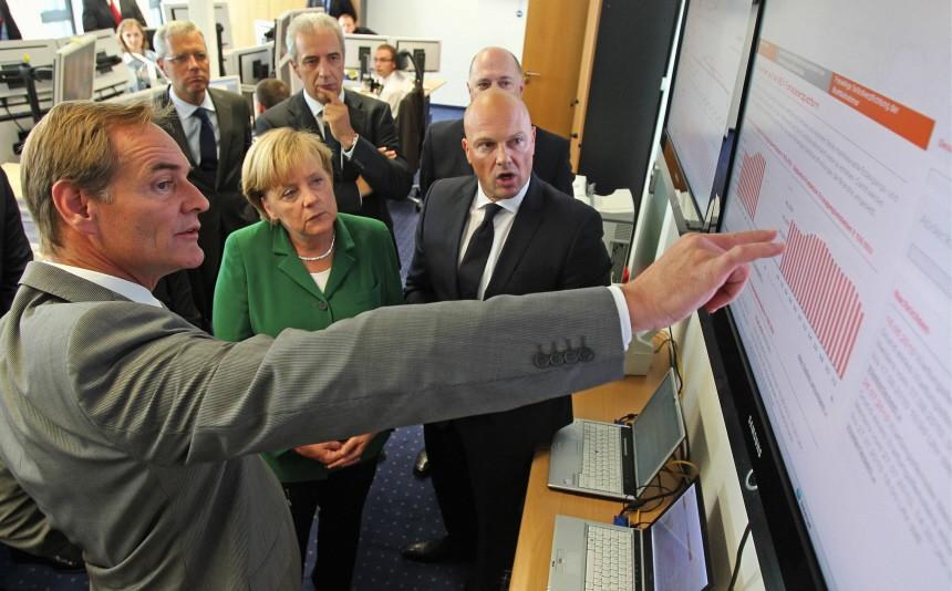 Merkel besucht Stromboerse in Leipzig