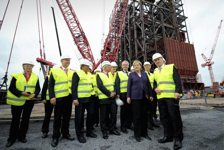 Bundeskanzlerin Angela Merkel besucht das Trianel-Steinkohlekraftwerk in Luenen