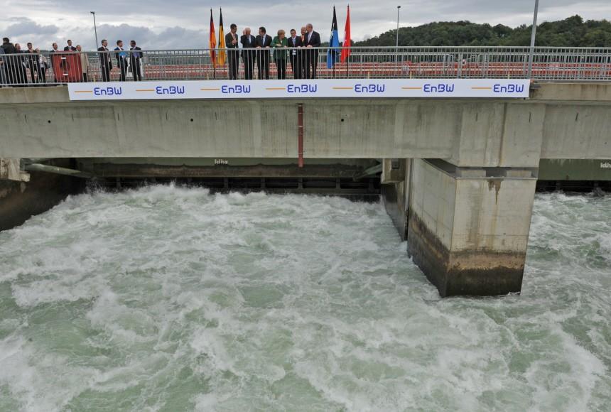 Bundeskanzlerin Merkel besucht Wasserkraftwerk
