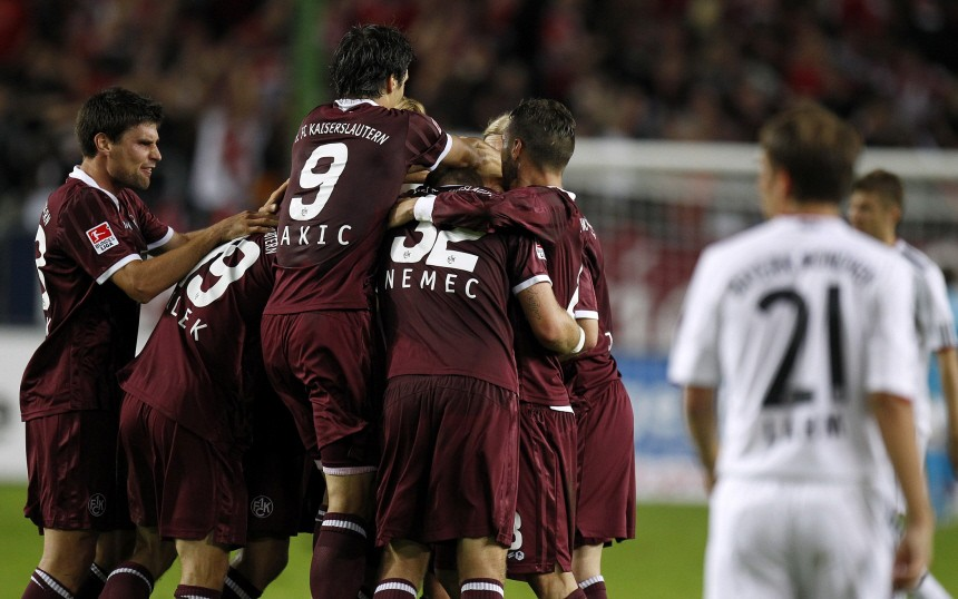 Kaiserslautern's Ilicevic celebrates his goal with teammates during their German Bundesliga soccer match against Munich in Kaiserslautern