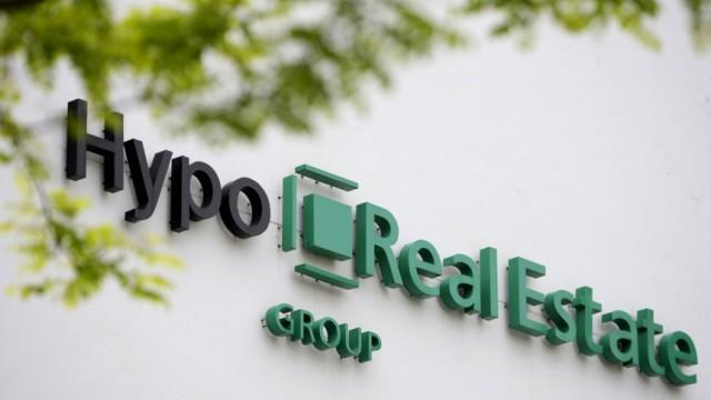 Staatsgarantien für marode Bank: Die Immobilenbank Hypo Real Estate wurde 2009 verstaatlicht. Nun braucht das marode Institut vorübergehend neue Staatsgarantien mit einem Umfang von bis zu 40 Milliarden Euro.