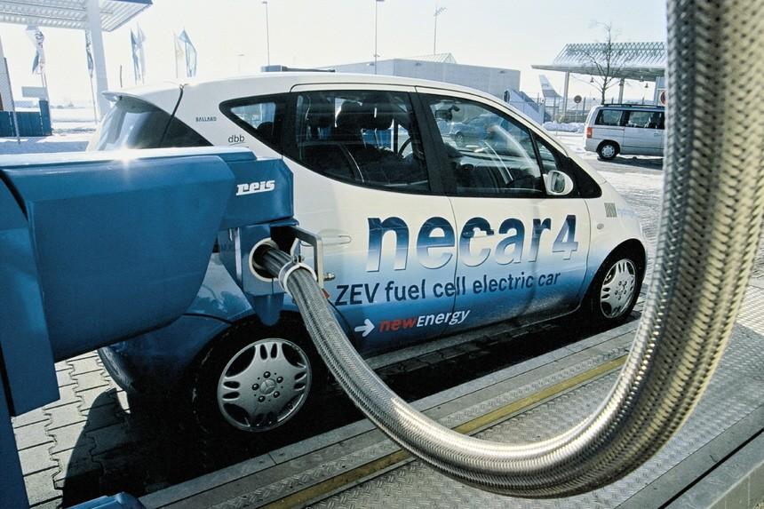 Alternative Antriebe Daimler Testfahrzeug Brennstoffzelle