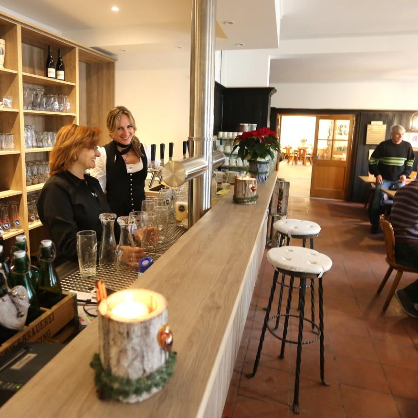 freising traditionswirtshaus in lerchenfeld ge ffnet freising s. Black Bedroom Furniture Sets. Home Design Ideas